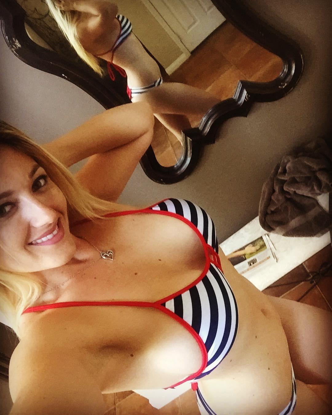 Katie Vernola Leaked Naked and Masturbating