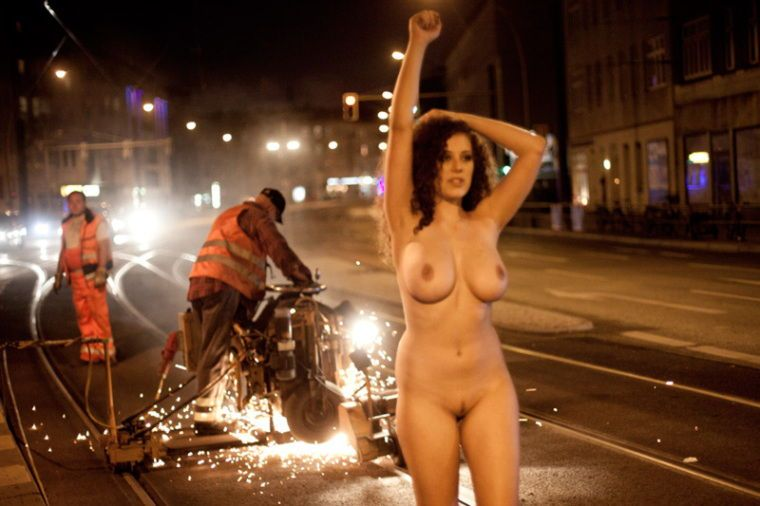 Leila Lowfire Nude