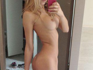 Model Joy Corrigan Nude Leaked Selfies