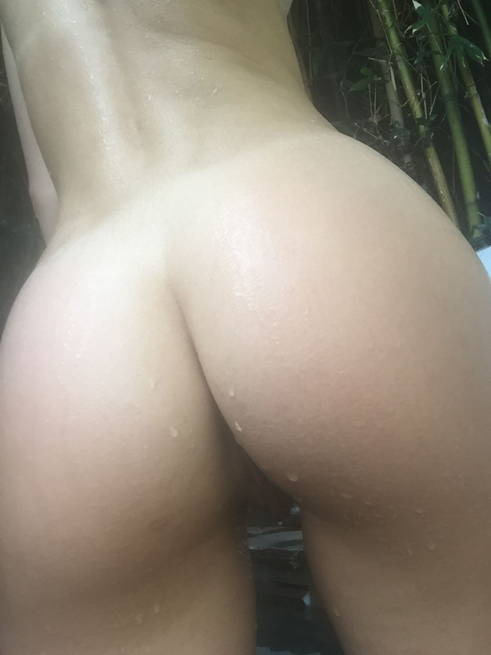Suki Waterhouse nude photos leaked The Fappening