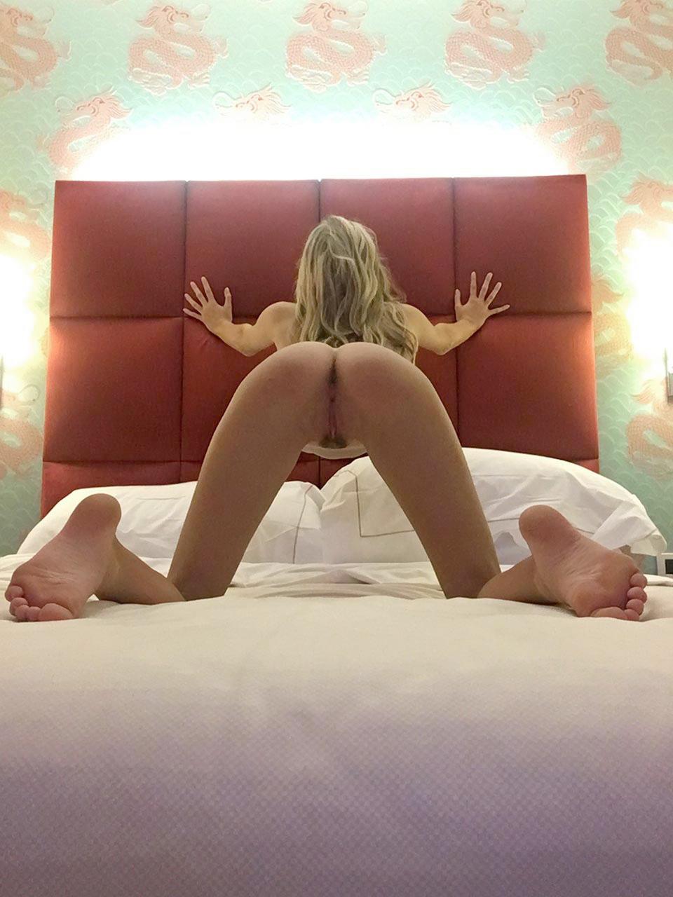 Noel Capri Berry nude masturbation and squirting peeing video leaked